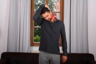 Übung Dehnung seitliche und hintere Nackenmuskeln
