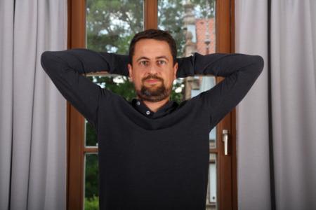 Nacken-staerken-Uebung