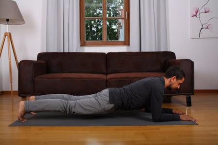 Planking zur Stärkung des Rumpfes