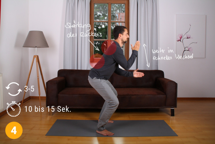 Die Übung stärkt den gesamten Rückenbereich. Führe sie 2x wöchentlich durch. Pro Übung machst du 3 bis 5 Durchgänge á 10 bis 15 Sekunden. Wenn du trainiert bist, kannst du ggfs. die Dauer verlängern.